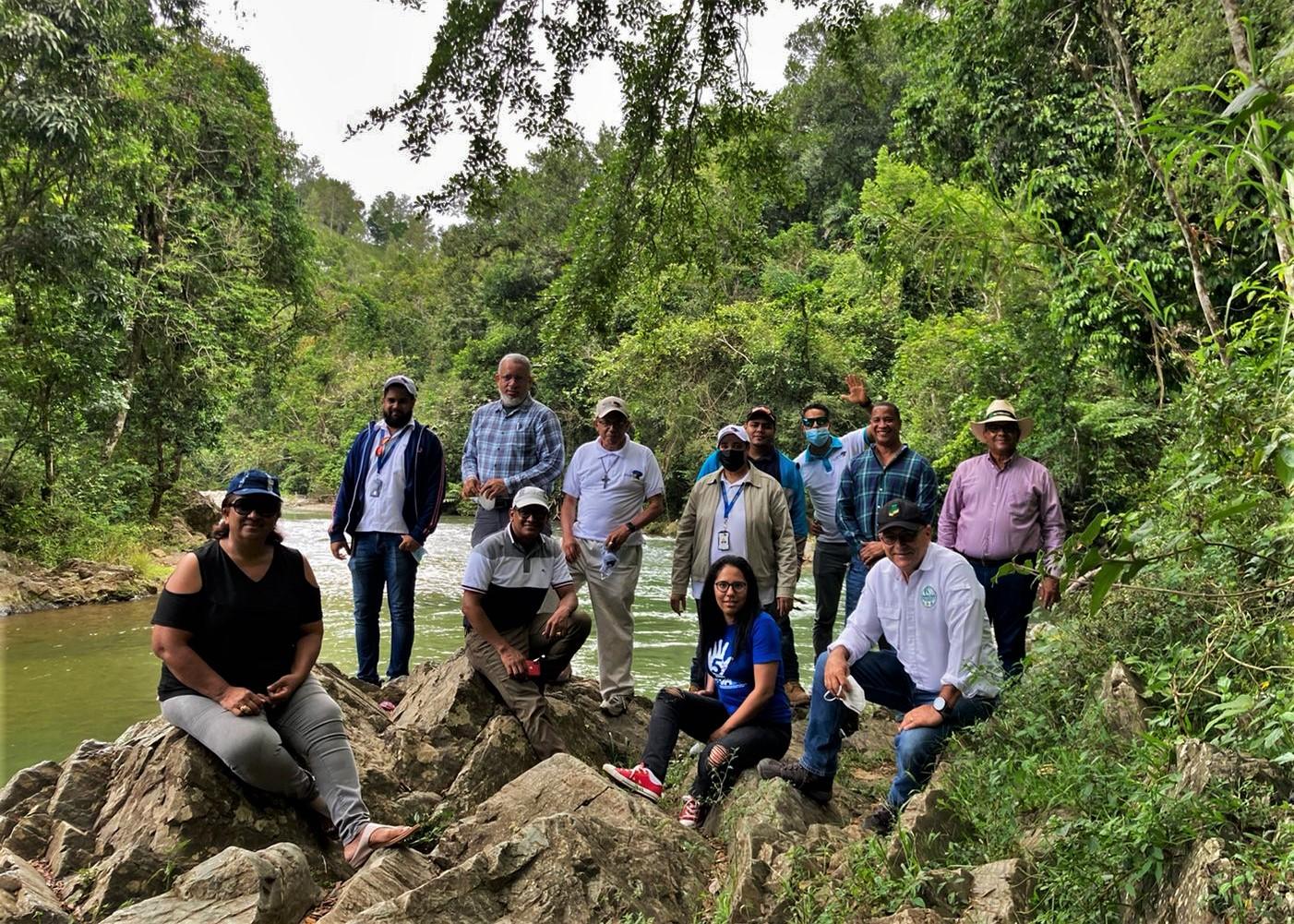 Directivos de CONORYAQUE visitan la cuenca alta del río Mao